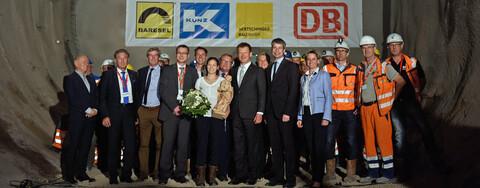 Tunneldurchschlag:Rund 700 geladene Gäste feierten am 17. Juli 2018 den Durchbruch beim Tunnel Feuerbach. (Foto: www.bahnprojekt-stuttgart-ulm.de   Foto: Reiner Pfisterer)
