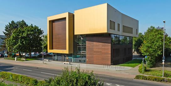 Städtische Musik- und Kunstschule, Monheim am Rhein: Schlüsselfertiger Neubau mit Tonstudio sowie Büro- und Technikräumen