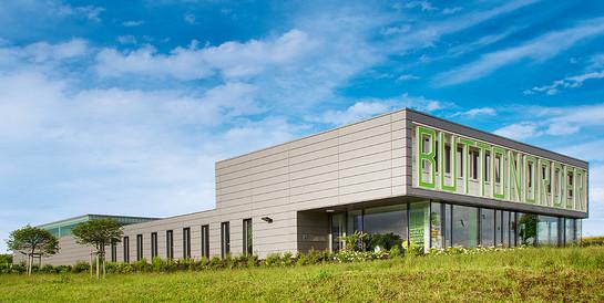 Tontopf e.K., Lautertal: Schlüsselfertiger Neubau eines Produktionsgebäudes mit Showroom