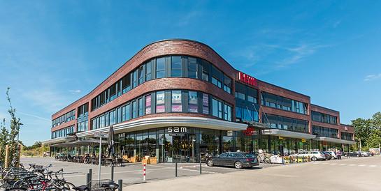 Büro- und Geschäftshaus Horn-Lehe: Geschäftshaus mit 11.500 qm Gewerbe- und Büroflächen.