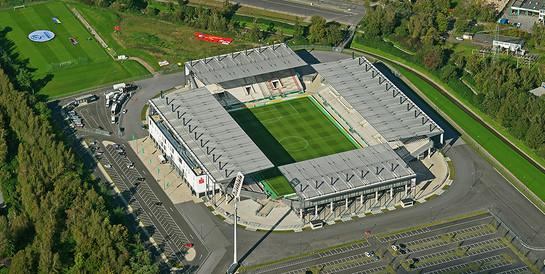 Fußballstadion Rot-Weiss Essen: Stadionneubau mit einer Kapazität von 20.000 Plätzen