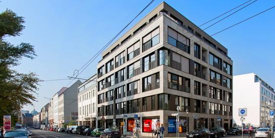 Büro- und Wohngebäude Alte Schönhauser Straße, Berlin: Schlüsselfertiger Neubau eines Wohn- und Geschäftshauses mit Tiefgarage